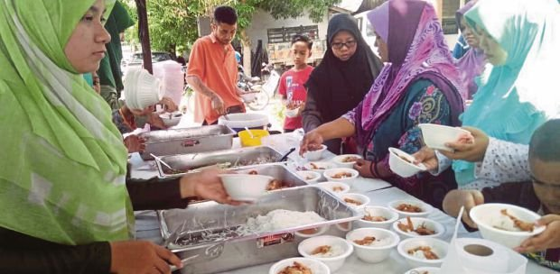 Health Ministry urges public to practice food safety, lower