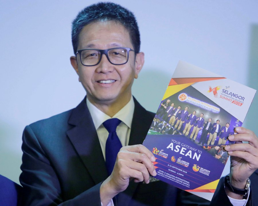 Selangor state government executive councillor Datuk Teng Chang Khim says the SIBS 2018, which will be held at the Malaysia International Trade & Exhibition Centre (Mitec) in Kuala Lumpur, is a series of three tradeshows, namely the Selangor International Expo 2018, Selangor Asean Business Conference 2018 and Selangor Smart City & Digital Economy Convention 2018. (NSTP pic by SYARAFIQ ABD SAMAD)