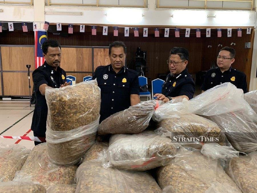 The National Kenaf and Tobacco Board has seized a large consignment of tobacco leaves smuggled into the state in two vans during an operation, near here, recently. - NSTP/ Hazira Ahmad Zaidi