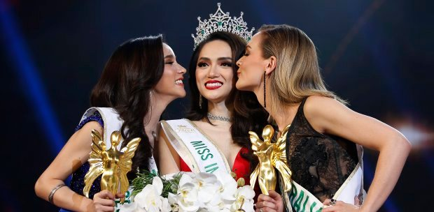 Thai transgender pageant crowns new 'Miss International Queen' | New