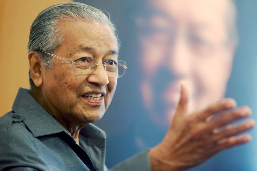 Mahathir turned away from meeting with Anwar at hospital