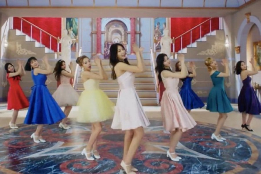 b6d27ddbb0 #Showbiz: TWICE's 'What Is Love?' fastest K-Pop girl group MV to reach  40mil views