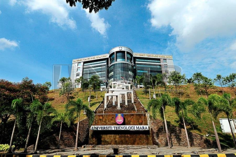 """(Stock image for illustration purposes) """"If you ask me whether non-Malays should be able to go to UiTM, my own view is that at the master's degree level, the graduates should be able to compete with other races,"""" said Arshad"""