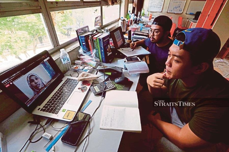 Students are required to complete their registration process online between Oct 5 and Oct 9 to activate their UMP student status. - NSTP/File pic