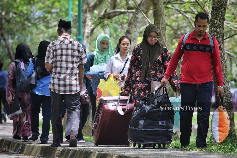 (File pic) Universiti Malaysia Sabah (UMS) has barred students from entering its campuses until further notice. - NSTP/File