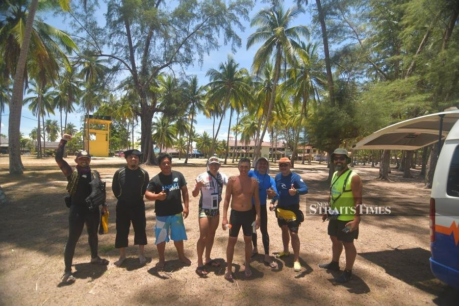 Members of the Perhentian Channel Solo Swim 2021 team.