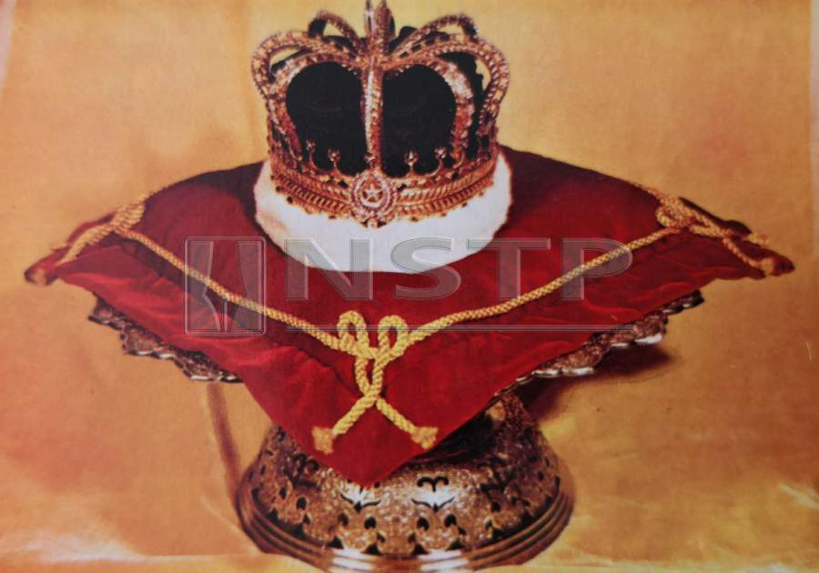 The Royal Crown of Kelantan was worn for the first time by Sultan Ismail during his coronation on Apr 28, 1921.