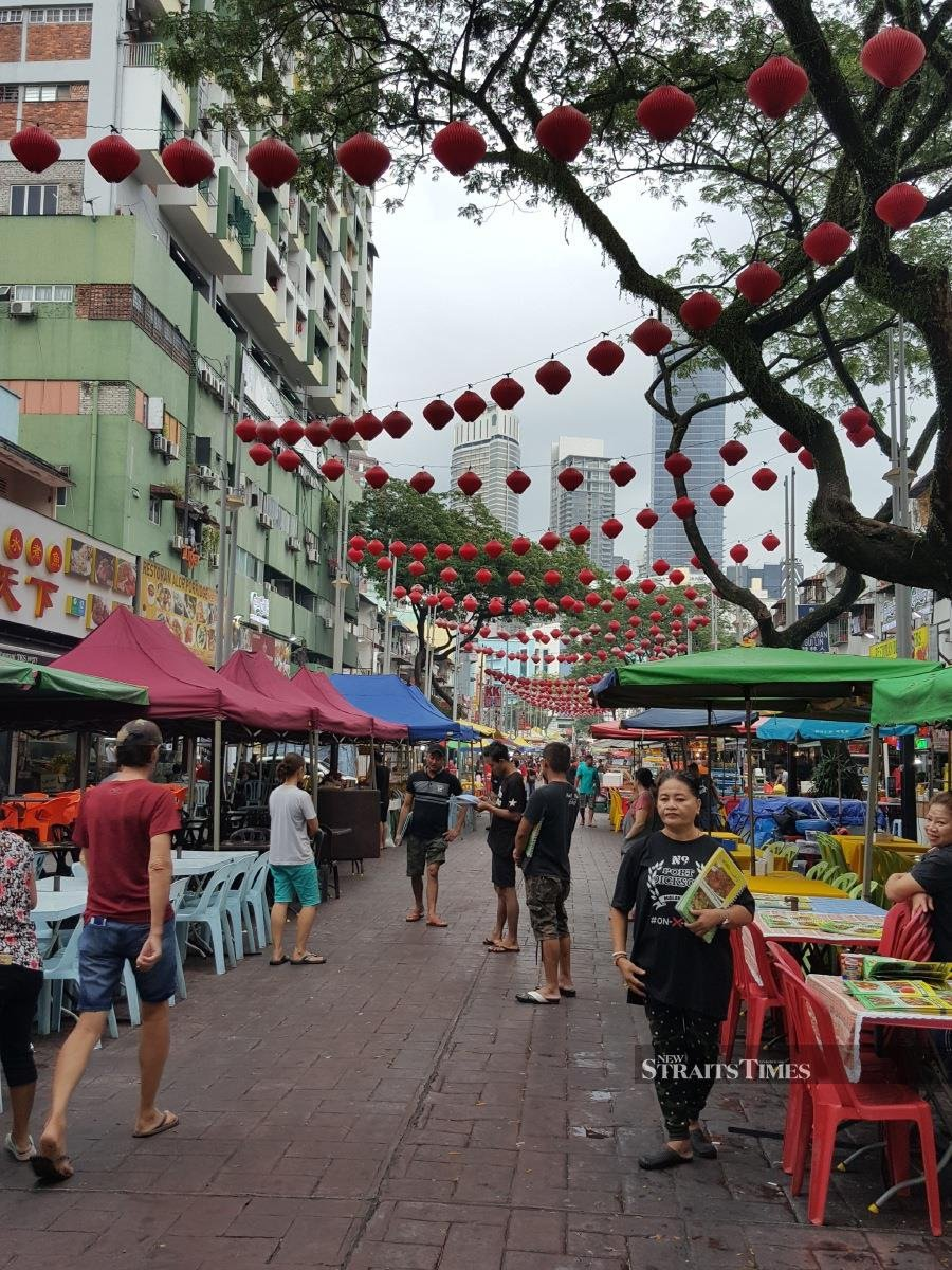 The famous Jalan Alor before the evening bustle.