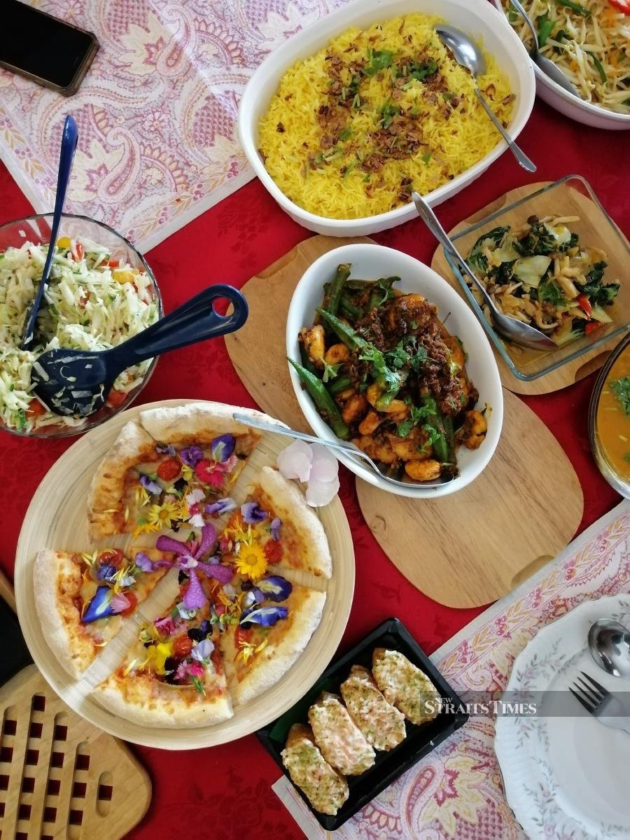 Flower pizza and other dishes that Mohana whipped up for lunch.