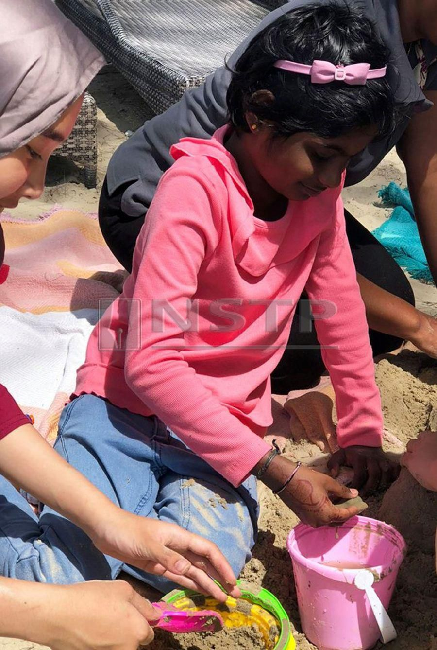 8 year-old Thanusha who's battling Right Distial Tibia Osteosarcoma with Lung Metastases wished to go to the beach and play with sand.