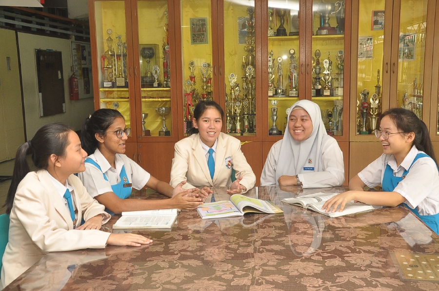 When students speak in English, it has a positive impact on their writing skills. Pic By NSTP/ Vincent D'Silva