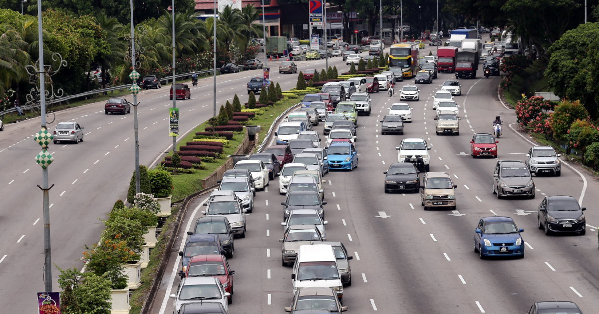 June 23, 3.30pm: Holiday traffic down to crawl on North-South highway