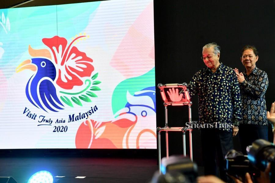 A Penang-based graphic designer said the new Visit Truly Asia Malaysia 2020 (VM2020) tourism campaign logo, which was unveiled by the Prime Minister Tun Dr Mahathir Mohamad on July 22, truly reflected what the nation was all about. (BERNAMA)