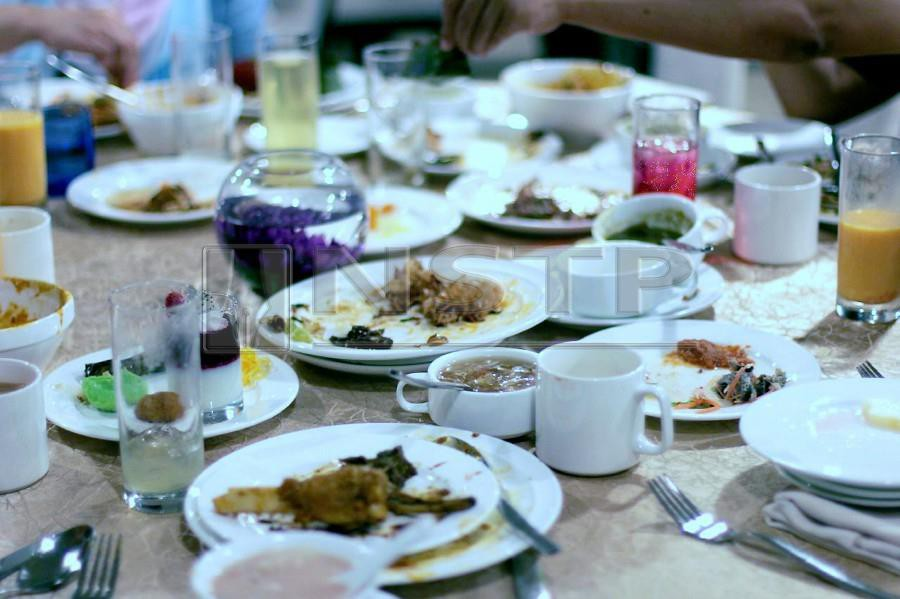 Malaysians throw away a staggering 16,688 tonnes of food daily. -NSTP/FARIS ZAINULDIN