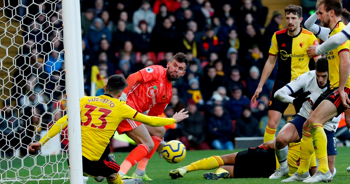 Deeney misses penalty as Watford and Spurs draw 0-0