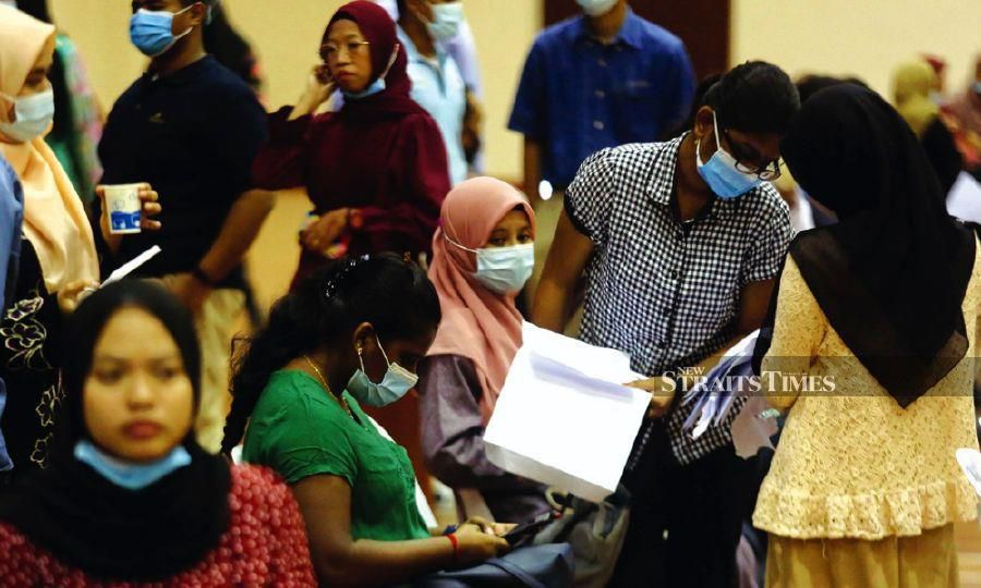 The public and private sector should help women who lost their jobs to regain their financial footing for a better future. -NSTP/file pic