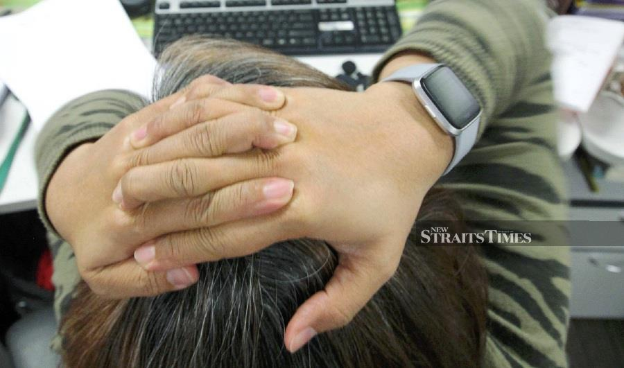 Savvy Sleeper study on workplace burnout also puts 4 Southeast Asian cities in top 15. - NSTP file pic