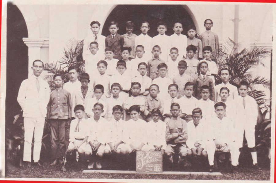 Standard III D students group photograph during the St Xavier's Institution Diamond Jubilee celebrations in 1927.