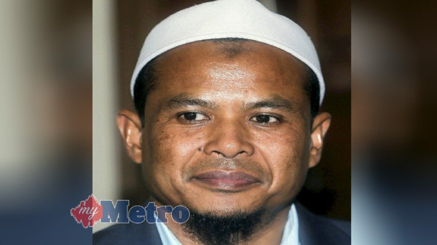 Minister in the Prime Minister's Department Datuk Dr Mujahid Yusuf Rawa has denied ordering that religious officer Zamihan Mat Zin be transferred from the Home Ministry to the Department of Islamic Development (Jakim).