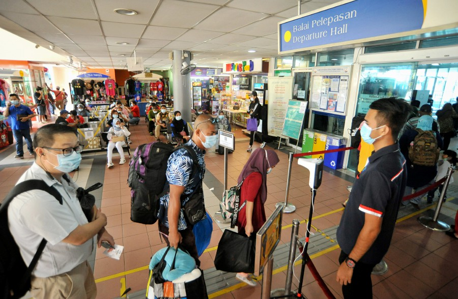 Ninety-seven of the cases were in Sabah, with 74 linked to the Bangau cluster. -- Bernama File Pix
