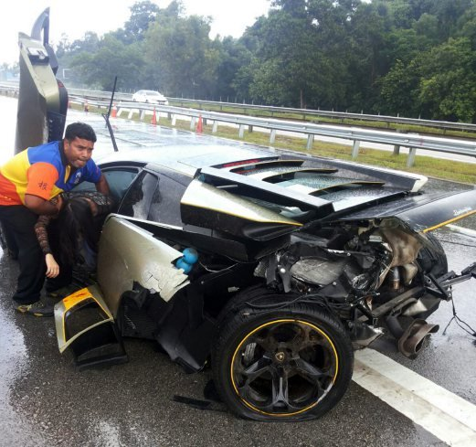 Lamborghini Crash Www Pixshark Com Images Galleries With A Bite