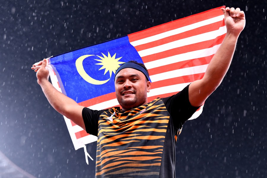 National Paralympic shot putter Ziyad Zokefli was disqualified for a call room violation in the men's shot put F20 (learning disabilities) final at the Tokyo Paralympics. - BERNAMA PIC